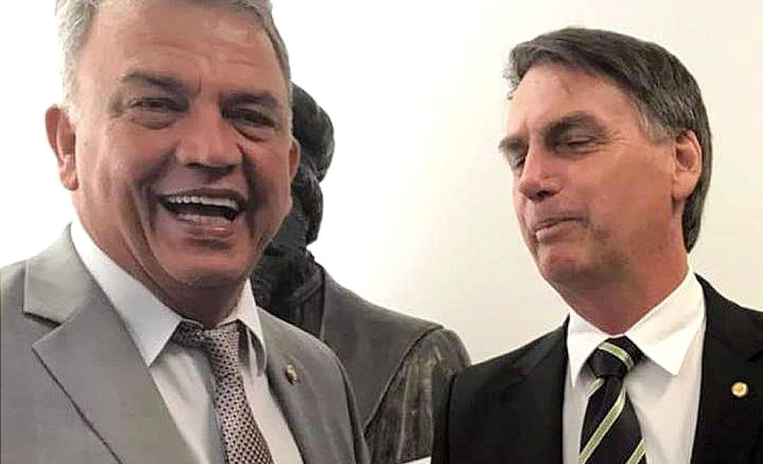 Projeto de Petecão que visa imprimir data de validade em notas de R$ 50 e R$ 100 tem a simpatia de Bolsonaro