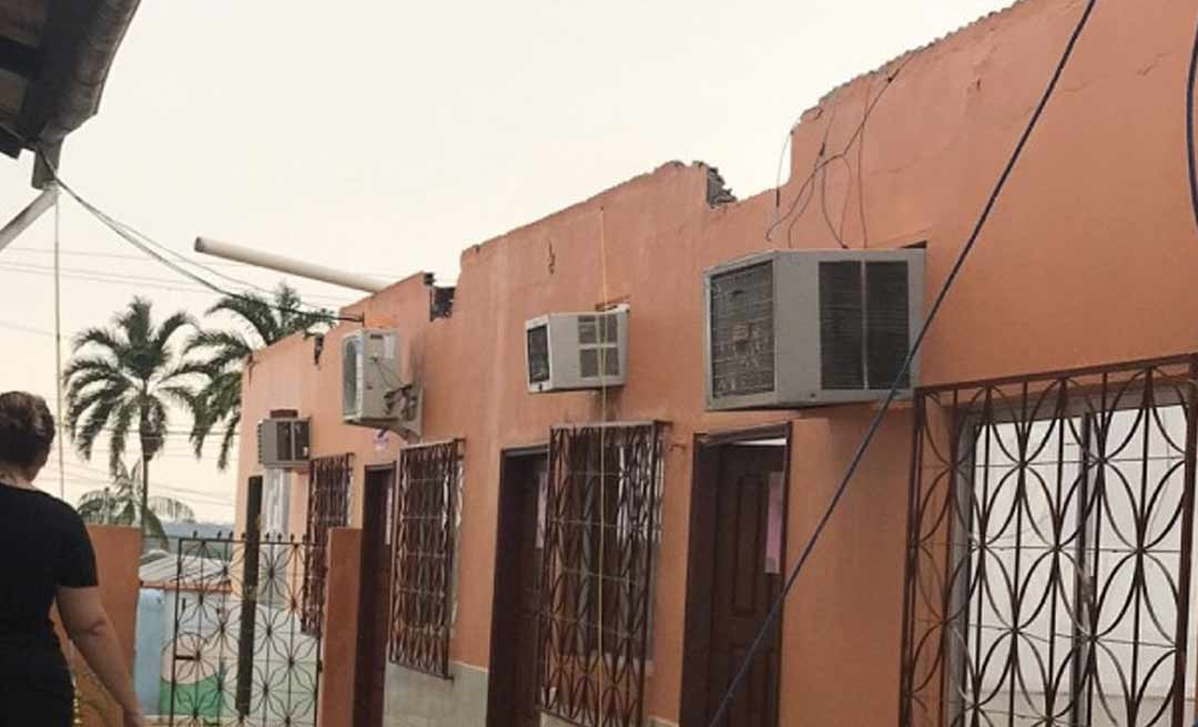 Temporal deixa prejuízos em Cruzeiro do Sul; casas e comércios ficam destelhados