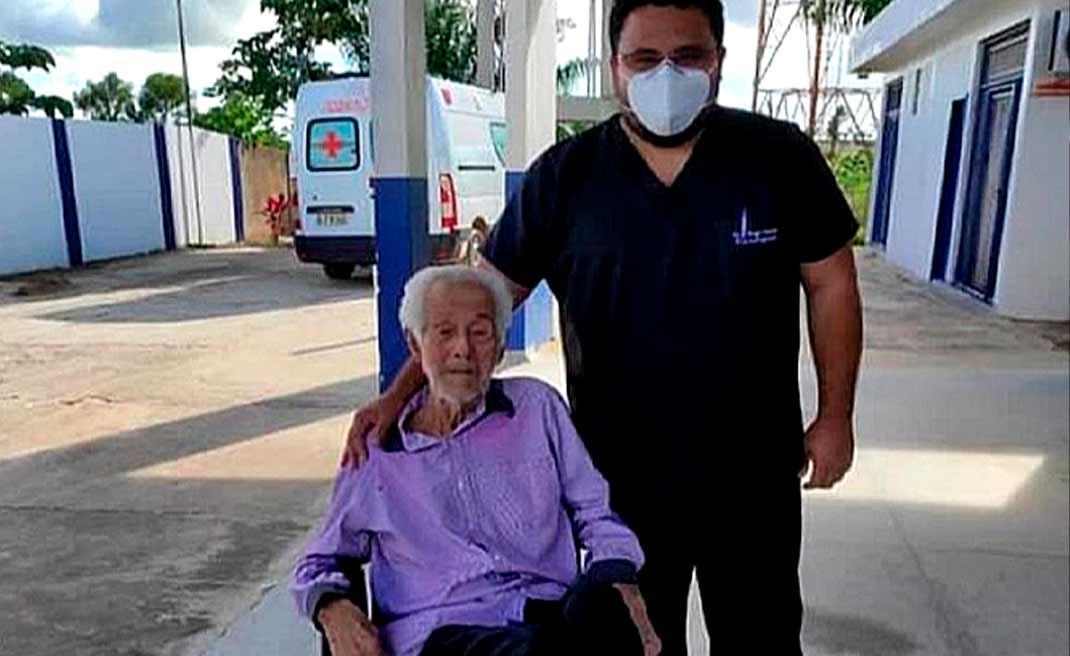 Em Tarauacá, idoso de 101 anos vence a luta contra a covid-19